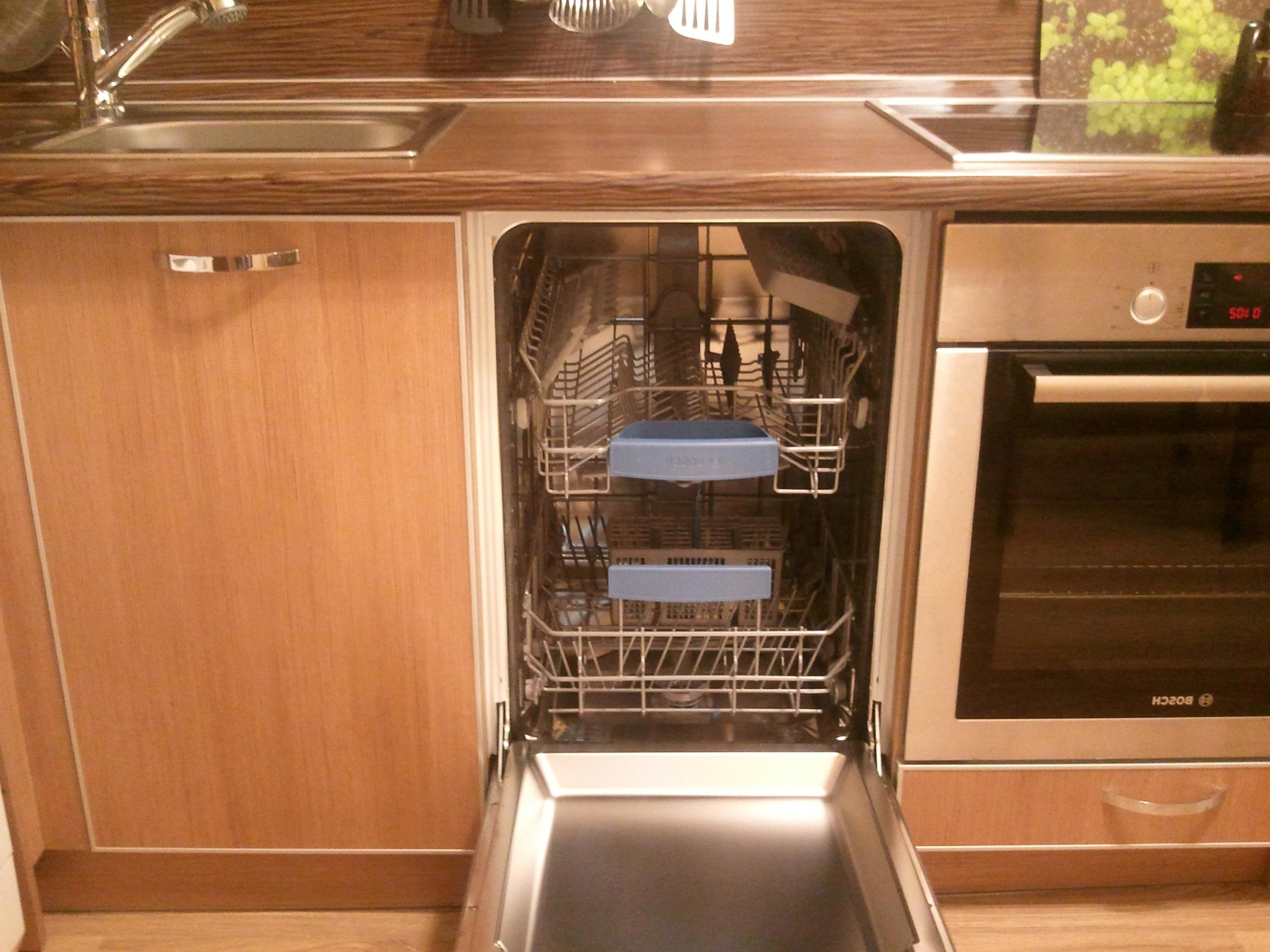 монтаж встроенной посудомоечной машины